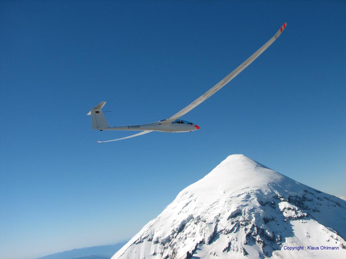 Nimbus-4DM-au-dessus-du-volcan-Lanin-H